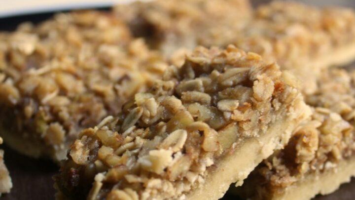 Honey Oat Shorbread Cookie Bars